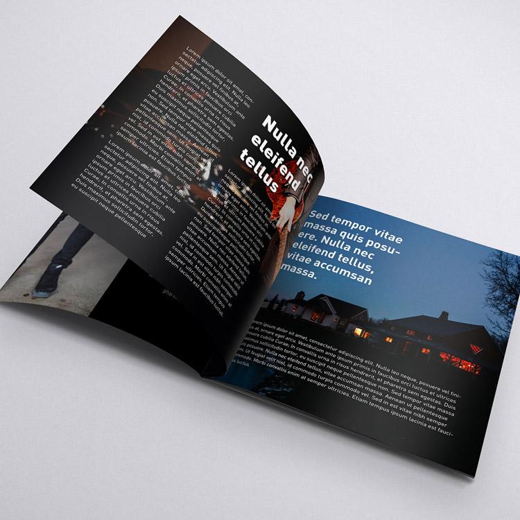 Brochure carrée