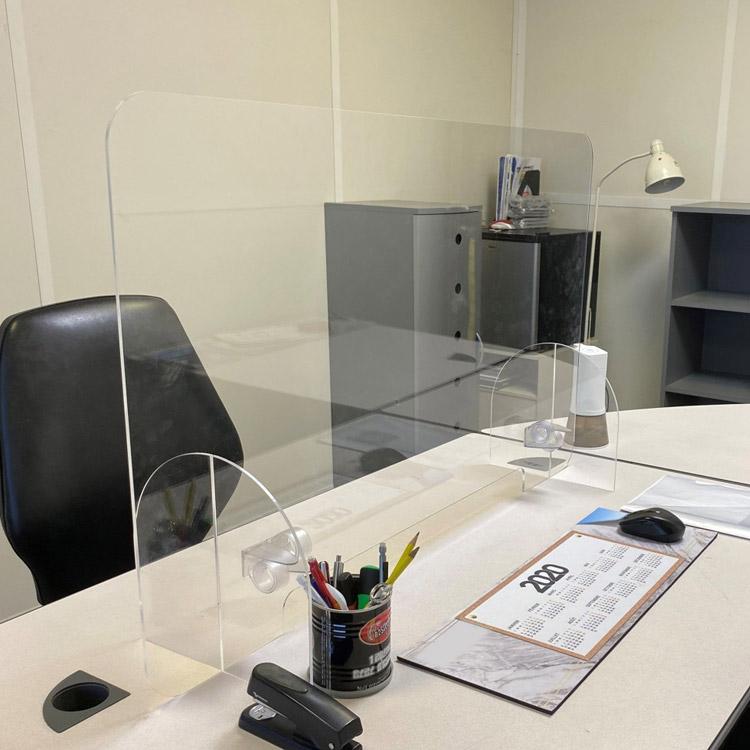 protection plexiglass bureau
